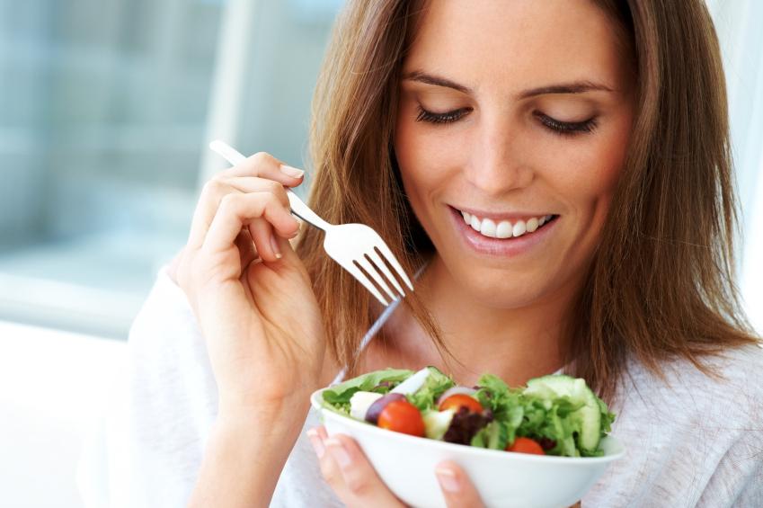 Sağlıklı Bir Yaşam Sürdürebilmek İçin Dengeli ve Düzenli Beslenmenin Önemi !