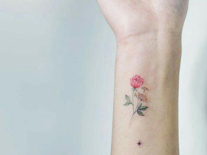 küçük çiçek dövmeleri- iyi21